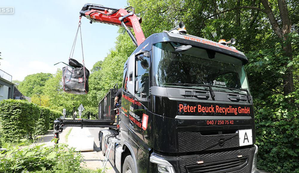 Fassi-F165A-crane-for-construction-recycling