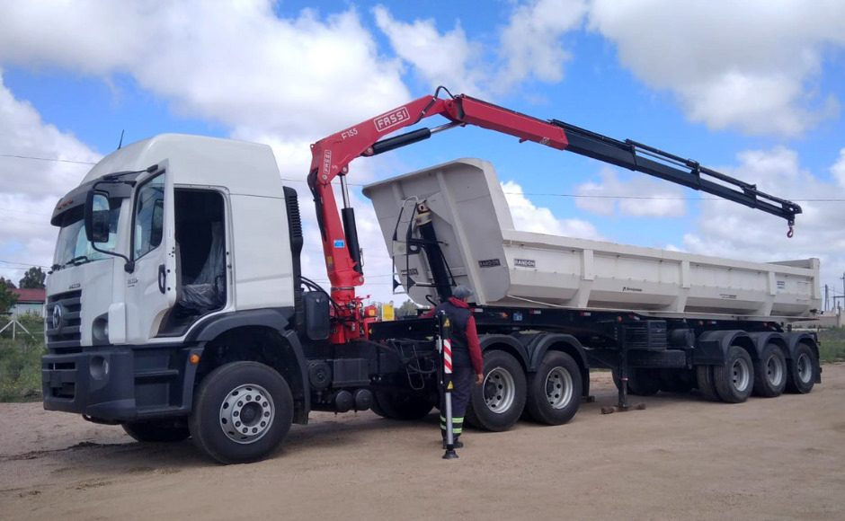 Fassi-F155A-0-24-active-crane-installed-onto-a-Volkswagen-on-road-tractor-unit-1