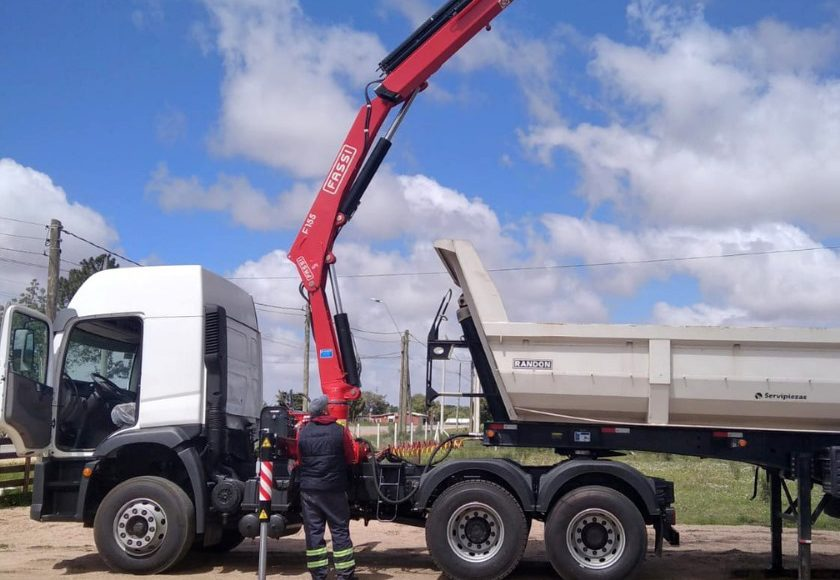 Fassi-F155A-0-24-active-crane-installed-onto-a-Volkswagen-on-road-tractor-unit-2