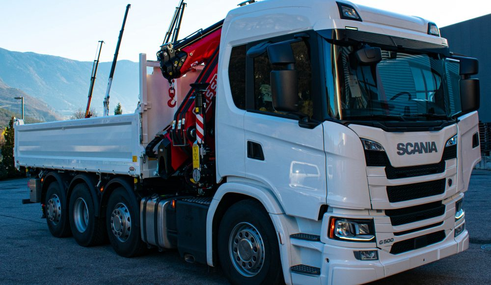 F395RA-2-25-xe-dynamic-with-L323-jib-on-Scania-G500-with-tipping-truck-body-on-three-sides-Gerax-Italy-3