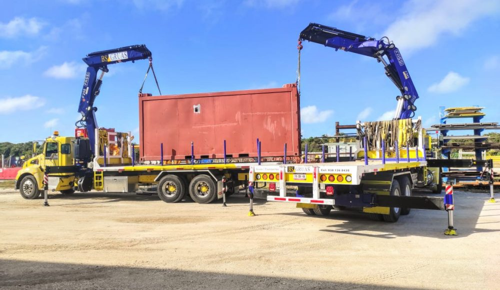 Two-Fassi-cranes-a-F295A-e-dynamic-and-F358A-e-dynamic-of-a-Mexican-customer-work-in-tandem-4